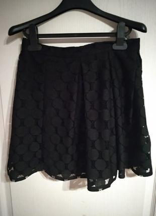 Черная классическая юбка с кружевом