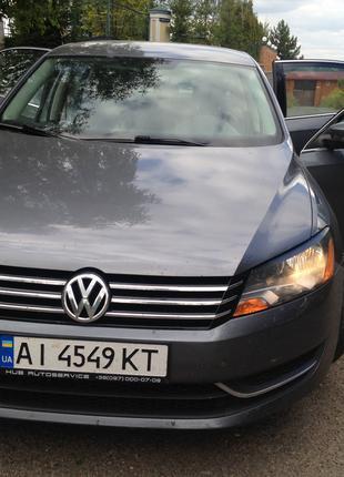 Продам VOLKSWAGEN Passat SE 2013 г -2,5 л -автомат- кожа -USA!