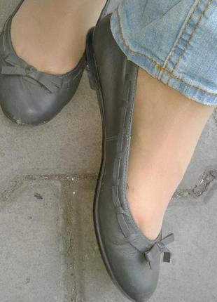 Zara кожаные балетки, туфли