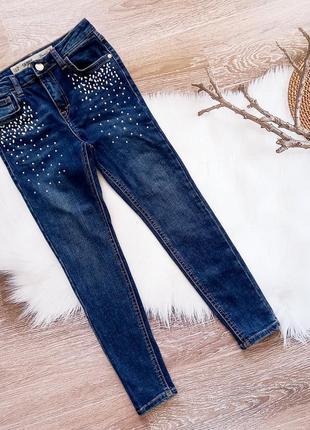 Модные джинсы скини