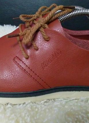Kang туфли кроссовки кожа 39 р по ст 25.5 см взуті один раз