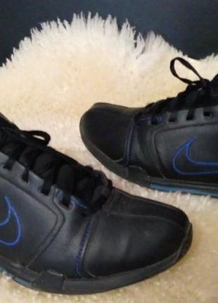 Nike кроссовки 40-40.5 р по ст 26 см екокожа