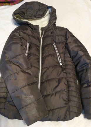 Курточка теплая девочке 7-8 лет