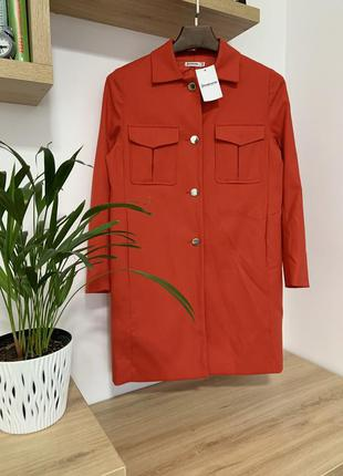 Красное прямое пальто тренч stradivarius