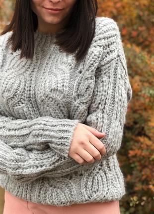 Серый оверсайзный шерстяной свитер с узором