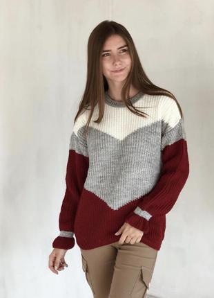 Бордовый шерстяной свитер геометрия со спущенным плечевым швом