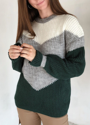 Зелёный шерстяной свитер геометрия со спущенным плечевым швом