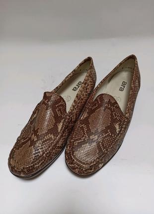 Мокасины брендове взуття stock
