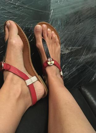 Кожаные босоножки сандалии  tommy hilfiger