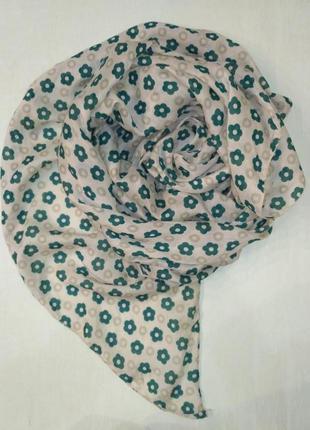 Тоненький большой палантин, шарф в цветочек