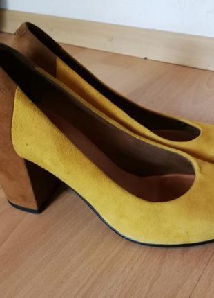 Замшевые кожаные туфли на каблуке vagabond