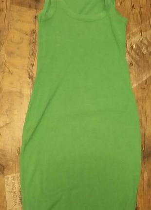 Актуальное платье-майка сочного зеленого цвета