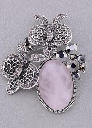 Брошь на одежду с натуральным камнем розовый кварц 60x50мм