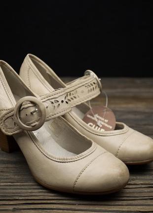 Акция!!! шкіряні жіночі туфельки andre р-36