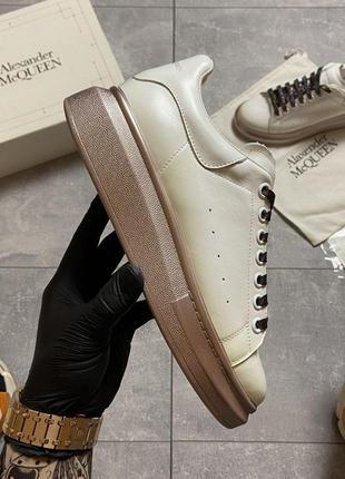 Кроссовки: alexander mcqueen white brown.