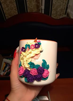 Чашка с декором из полимерной глины