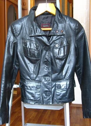 Куртка кожаная, женская, короткая.