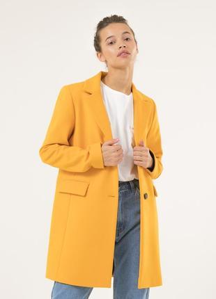 Женское осеннее пальто season желтого цвета