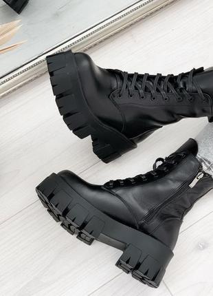 Новые женские кожаные демисезонные чёрные ботинки мартинсы  на...