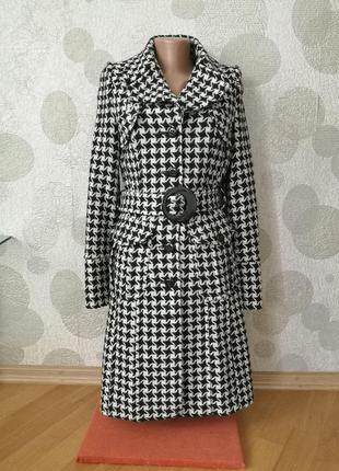 Модное пальто маленького размера