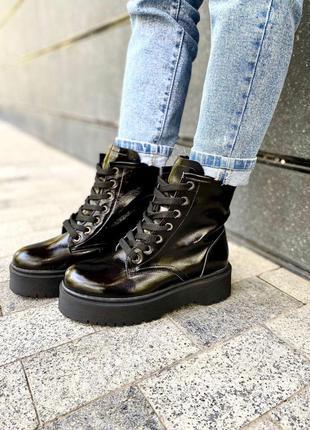 Ботинки лак кожа