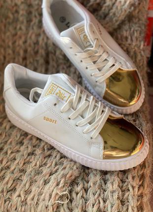 Белые криперы, кроссовки на платформе