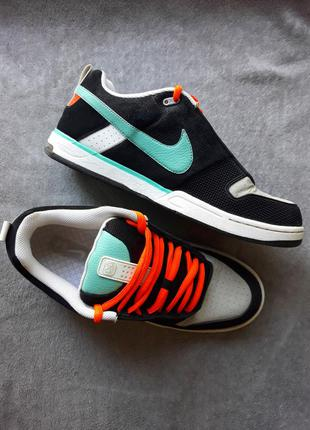 Яркие скейтерские кроссовки со вставками из замши nike 6.0 adi...