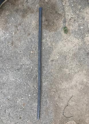 Нижняя накладка (резинка) на дверь БМВ е39 (BMW e39)