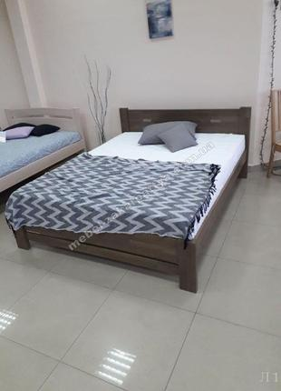 Кровать деревянная массив двуспальная. Полуторная кровать с ма...