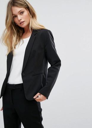 Актуальный классический пиджак приталенный, чёрный жакет костю...