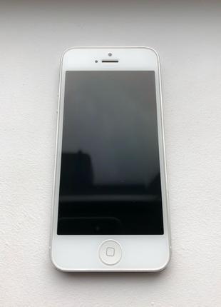 iPhone 5 16GB | Полный комплект, хорошее состояние
