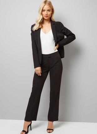 Чёрный классический пиджак, приталенный жакет костюмный
