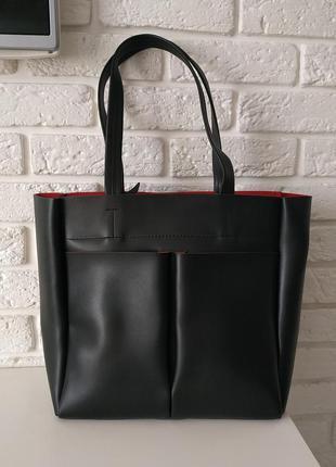 Удобная сумка на плечо черная с красным