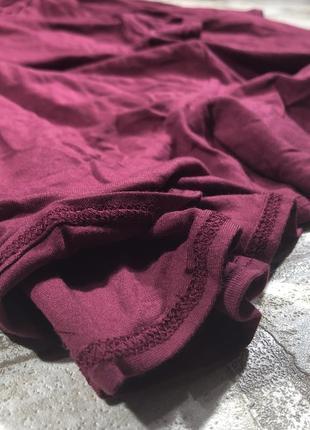 Трикотажное платье халат на запах с оборками и длинным рукавом