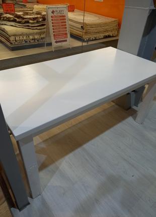 Раскладной обеденный стол из массива дуба