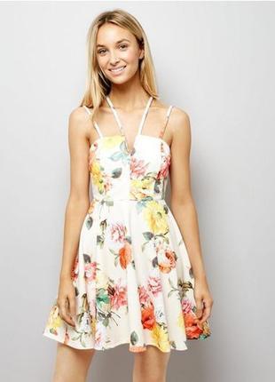 Яркий сарафан, платье с цветочным принтом