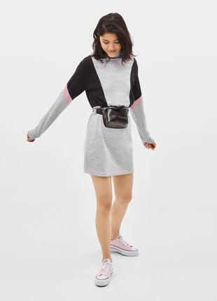 Плаття в спортивному стилі під шию на довгий рукав