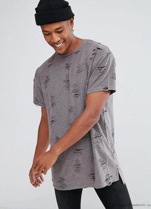 Крутая рваная мужская футболка