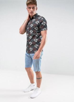 Крутая мужская рубашка с цветочным принтом