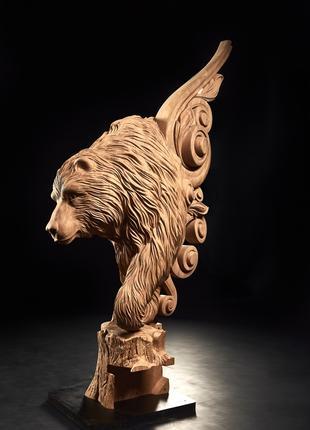 Скульптура ведмідь на деревяні сходи Різьблені балясини