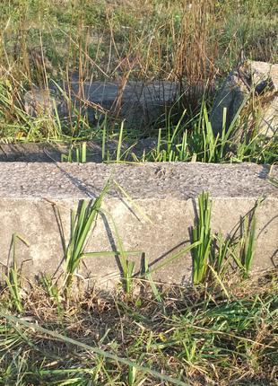 Блоки строительные, бетонные, для фундамента.