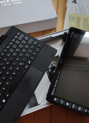 Планшетный компьютер с клавиатурой TrekStor SuftTab Twin 10.1