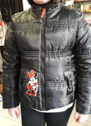 Куртка зимняя с капюшоном mini mouse теплая, черная на синтепо...