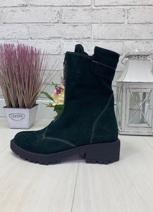 Женские высокие ботинки зеленые на низком ходу натуральная замша