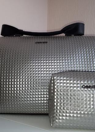 Спортивная сумка Calvin Klein Кельвин Кляйн серебро