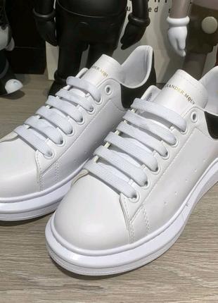 Alexandr McQueen Oversized White/Black