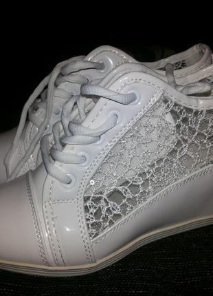 Сникерсы белые (туфли, ботиночки)