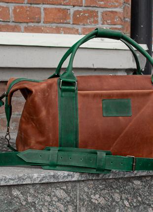 Спортивная/Дорожная кожаная мужская сумка коричневого цвета.