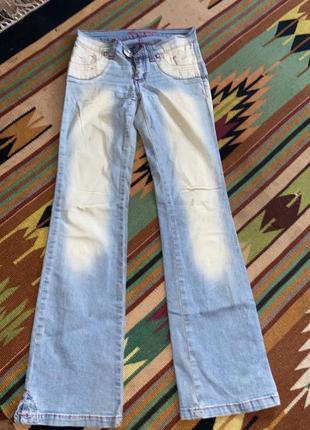 Голубые стрейчевые клешевые широкие джинсы глория джинс