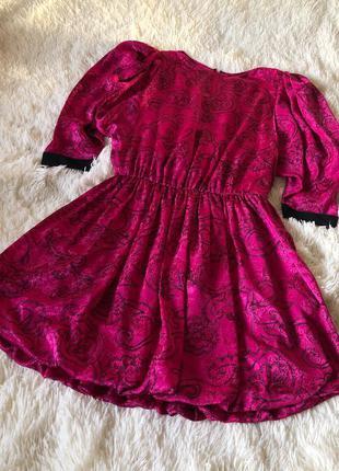 Винтажное сатиновое платье с объемными рукавами и пышной юбкой...